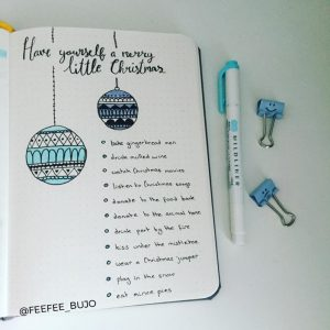 A ton of Christmas spread inspiration at lifebywhitney.com. Love this spread from @feefee_bujo!