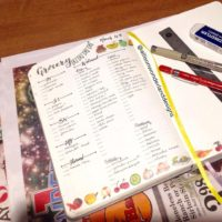 Do you grocery plan in your bullet journal like @allisonwonderlanddesigns? Check out 50+ meal planning, grocery shopping, meal tracking, meal ideas, food doodling, booze tracking, menu planning, and more at lifebywhitney.com